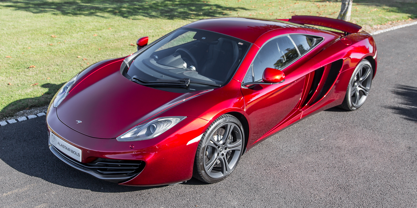 McLaren 12C Coupe Volcano Red