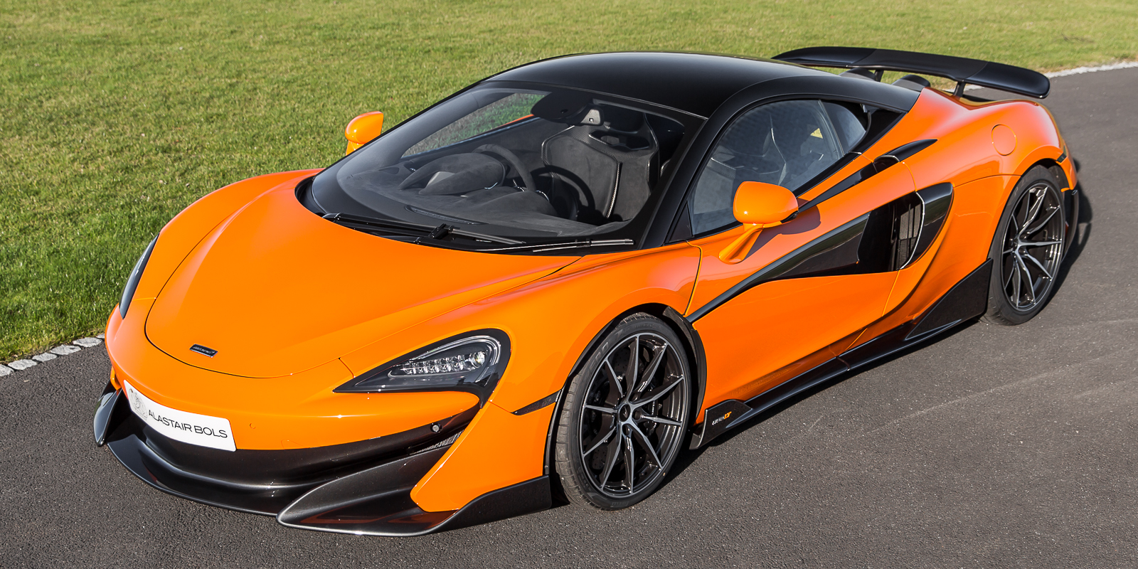 McLaren 600LT Coupe Myan Orange