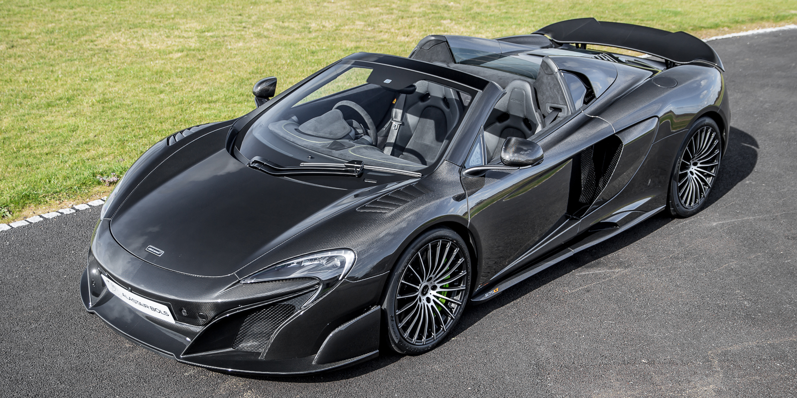 McLaren 675LT Spider Carbon Series by MSO