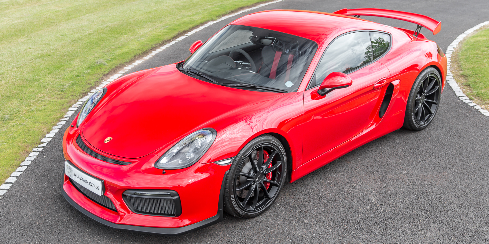 Porsche Cayman GT4 Clubsport Guards Red