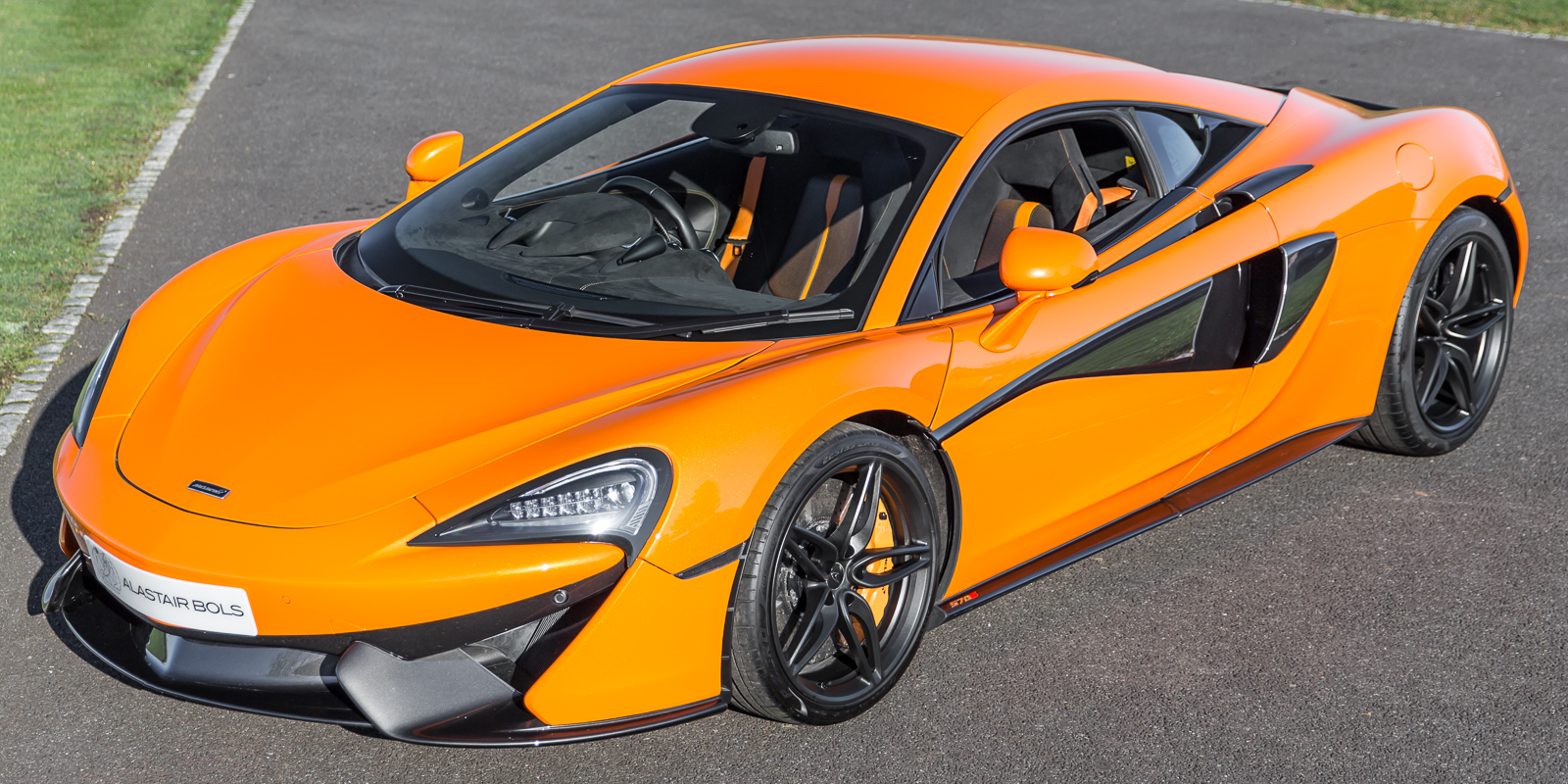 McLaren 570S Coupe – Ventura Orange