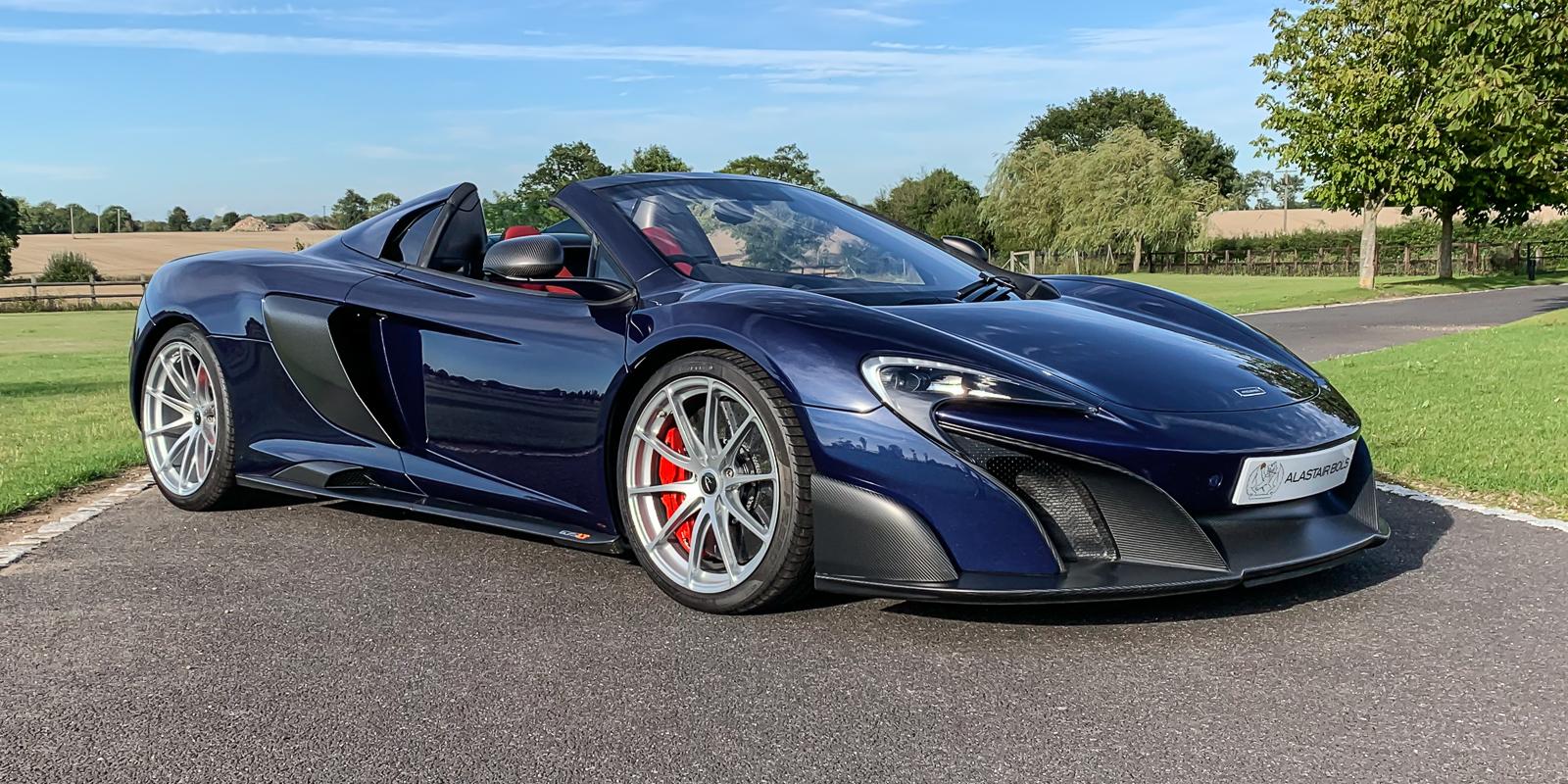 McLaren 675LT Spider – TOUR de FRANCE BLUE
