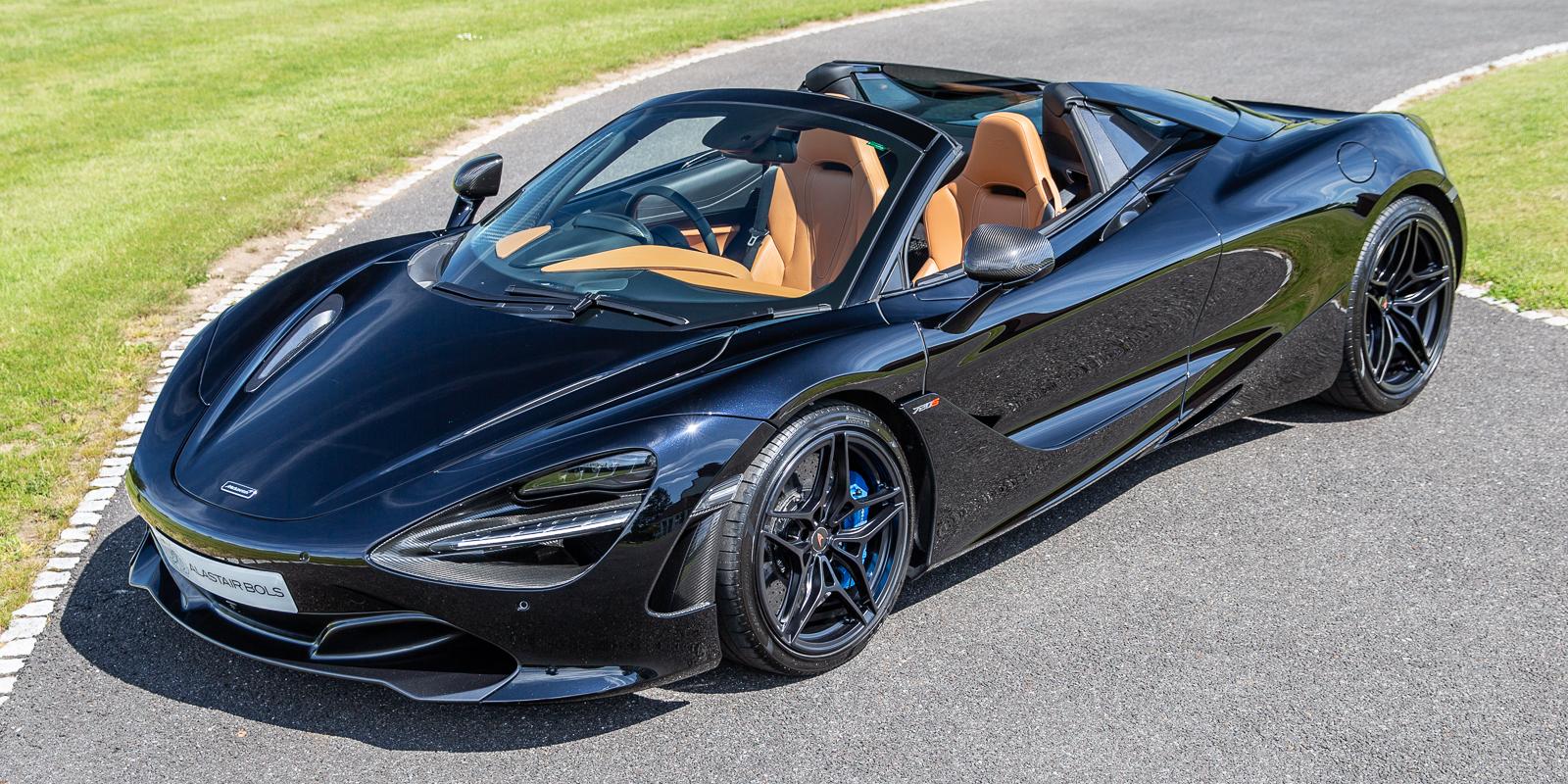 McLaren 720S LUXURY SPIDER – ABYSS BLACK